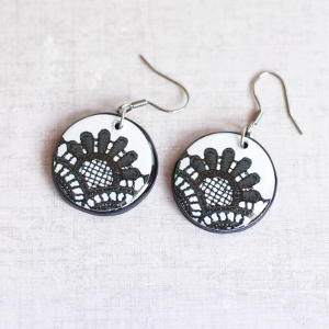 Earrings Lace 2 black on white background