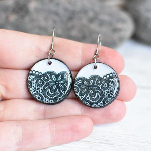 Earrings Lace 3 black on white background