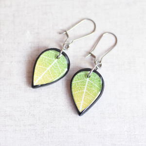 Double Sided Earrings Leaf green / black