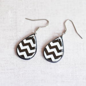 Earrings Zigzag black
