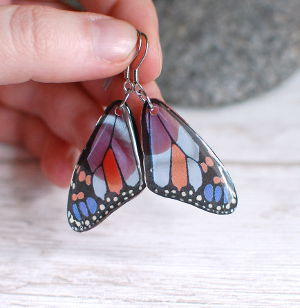 Transparent butterfly earrings blue small