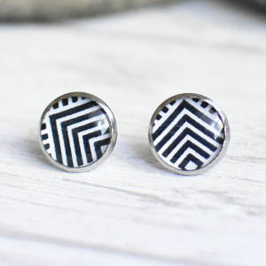 Stud earrings Black and White Pattern